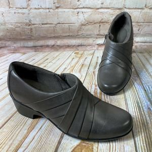 Clarks Leather Ankle Booties Shoes Heels Zip Up
